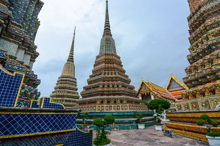The four giant chedis of Wat Pho.
